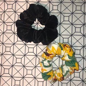 American Apparel Accessories - American Apparel scrunchie set